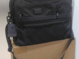 TUMI Alpha 2 FXT 公事包 泰國製 Compact Large Screen Laptop Brief